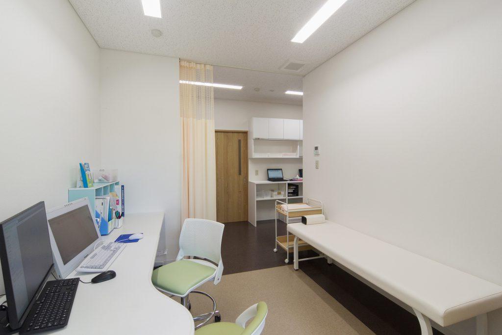 新発田駅前ひらた内科クリニック診察室